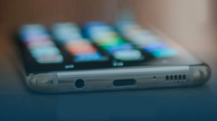 Samsung Galaxy S8 are șanse mari să primească Android 10