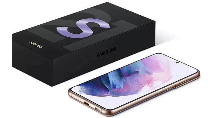 Samsung va scoate treptat încărcătoarele și căștile de pe telefoanele viitoare