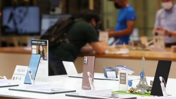 Samsung pe locul doi in vanzarile de telefoane online in Q4 2020 in Rusia