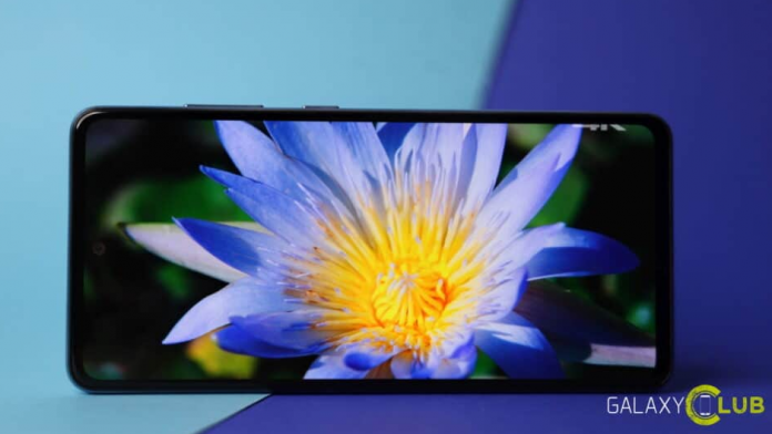 Galaxy A52 aduce o multime de lucruri la ce pret are