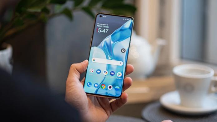 OnePlus 9 Pro cu afisaj AMOLED LTPO produs de Samsung