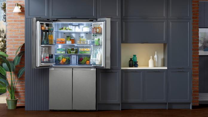 Samsung a lansat un frigider flexibil cu 4 usi cu functii personalizabile