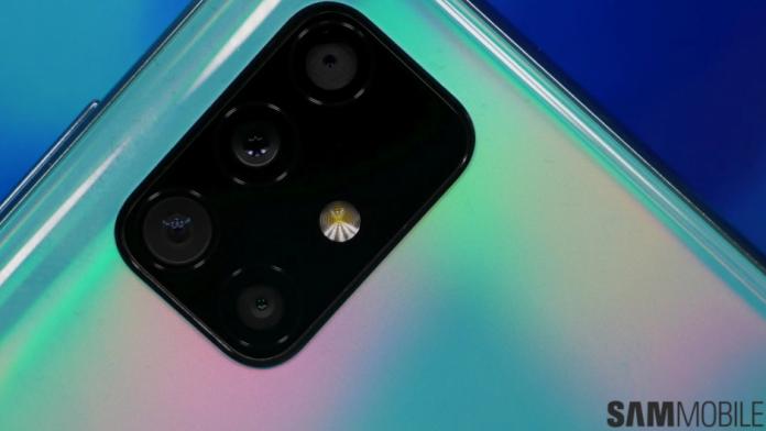 Samsung aduce o alta caracteristica emblematica la Galaxy A52