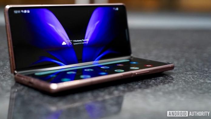 6 lucruri pe care vrem sa vedem pe Samsung Galaxy Z Fold 3