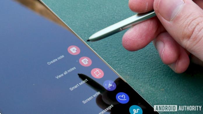 Galaxy Z Fold 3 va veni cu S Pen dar fara un slot dedicat