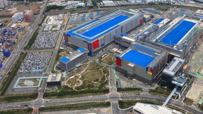 Samsung isi mareste investitia in semiconductoare la 151 miliarde UDS
