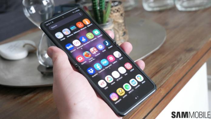 Corning va fi furnizor de sticla UTG pentru Galaxy Z Flip 3