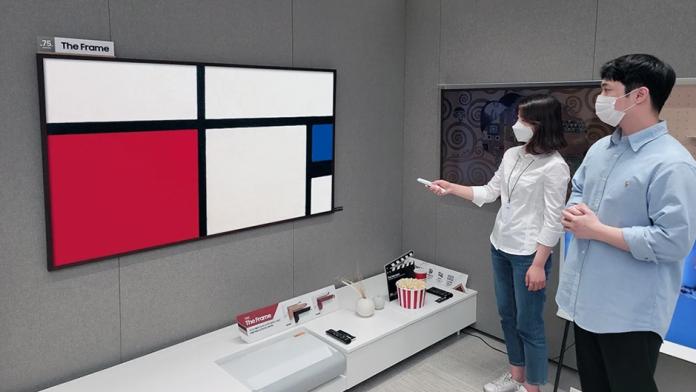 Samsung The Frame primeste mai multe opere de arta abstracte