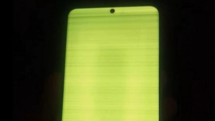 Mai multi utilizatorii de Galaxy S20 raporteaza erori de afisare
