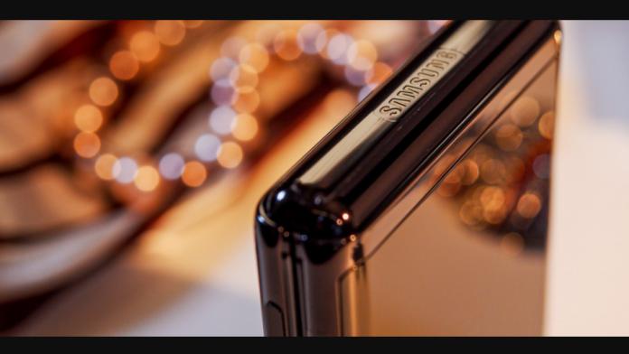 Samsung Galaxy Z Flip 3 posibil cu viteza de incarcare rapida de 15W