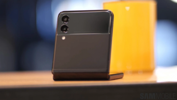 Intre cumparatorii de Galaxy Z Flip 3 si Galaxy Z Fold 3 sunt mari diferente