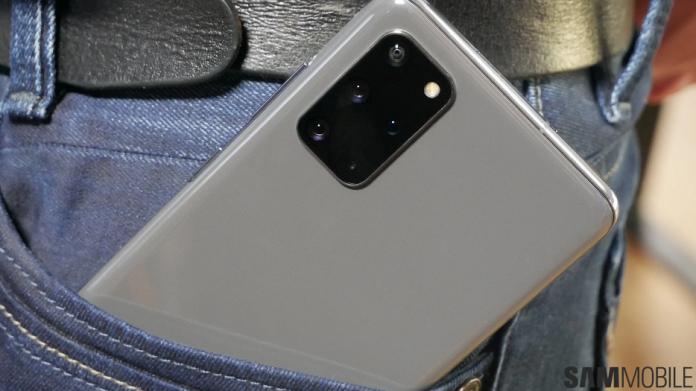 Modelele Galaxy S20 primesc patch din august