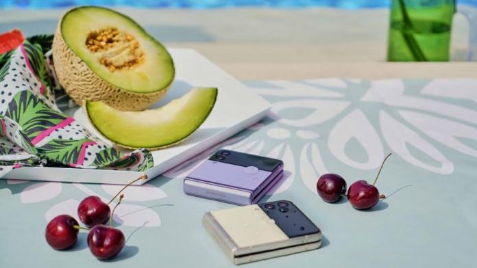Samsung a anuntat disponibilitatea comerciala a noii seriei Galaxy Z