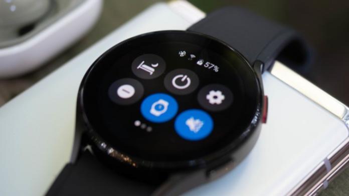 Samsung va permite acum sa utilizati Galaxy Watch 4 ca walkie talkie